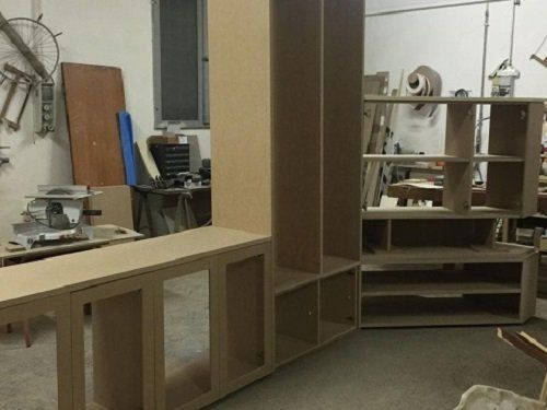 Mobili per stanza fabbricati a mano