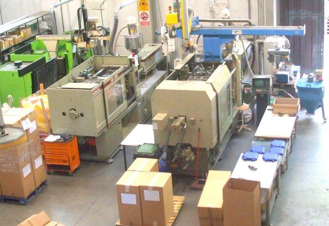 Fabbrica Sedie In Plastica.Produzione Arredi E Accessori In Plastica Marzabotto P M C
