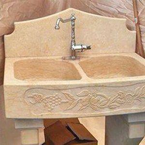 Lavelli in marmo a San Cataldo