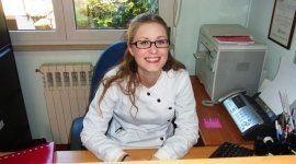La receptionist