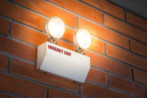 una luce di emergenza
