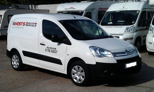 fc95d72f8e cheap small van rental hire