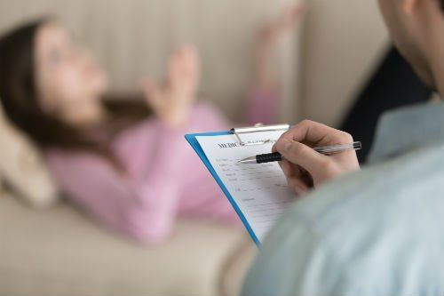Psicoterapeuta durante una seduta