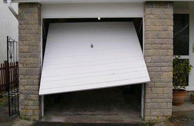 Reliable and quick garage door repairs in ayr girvan for Reliable garage doors