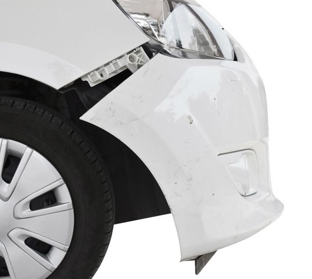 collision-white-car