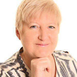 Yvonne Hackett