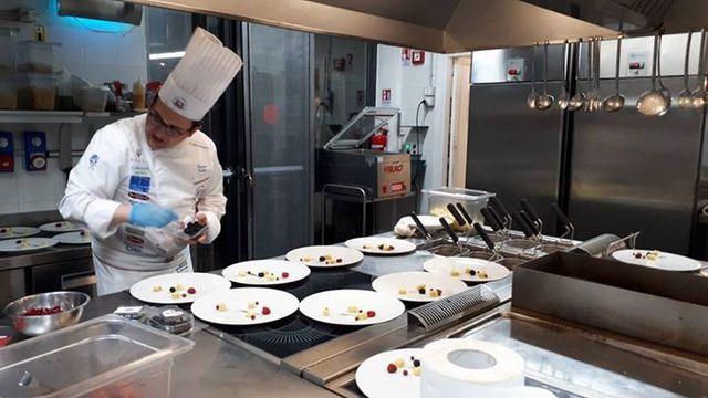 A scuola di cucina per diventare chef
