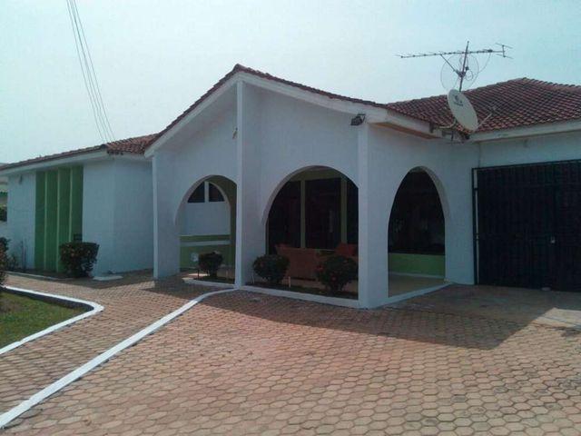 villa 1 front