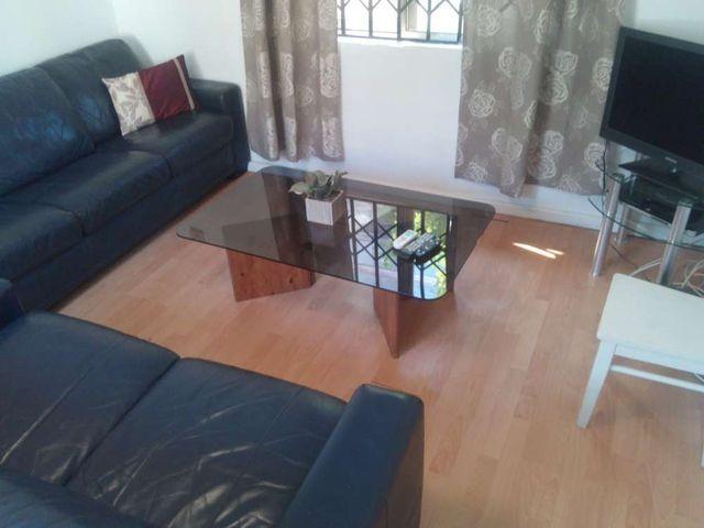 villa 4 living room