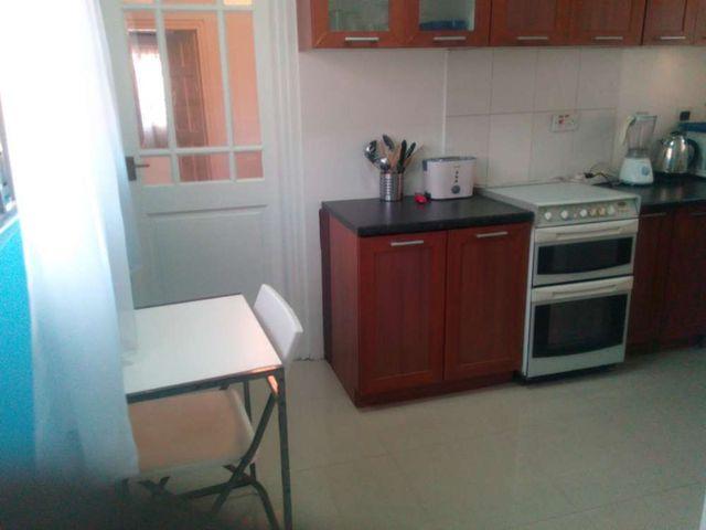 villa 4 kitchen 2