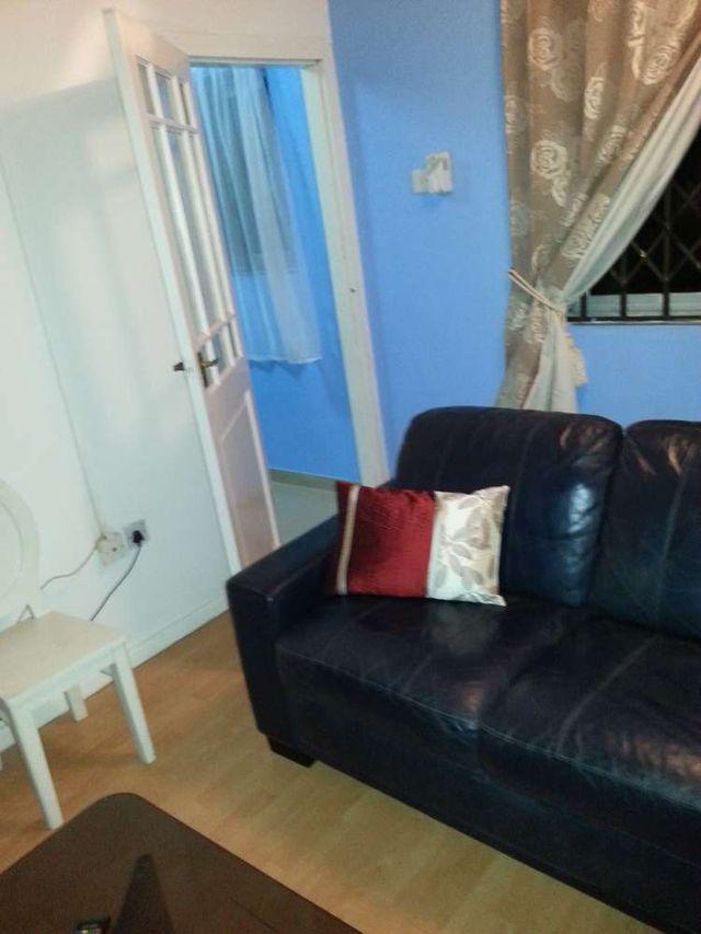 villa 4 couch 2