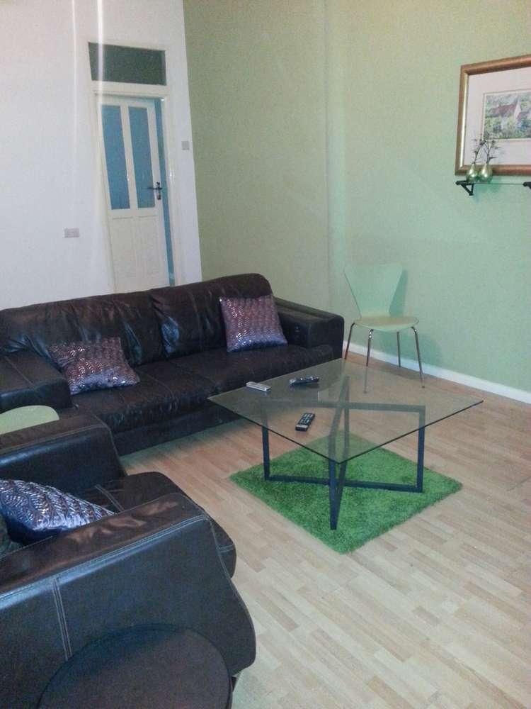villa 5 living room