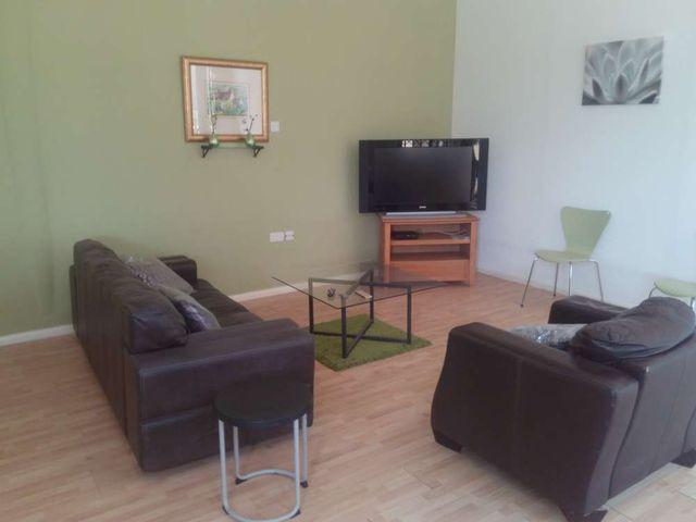 villa 5 living room 2
