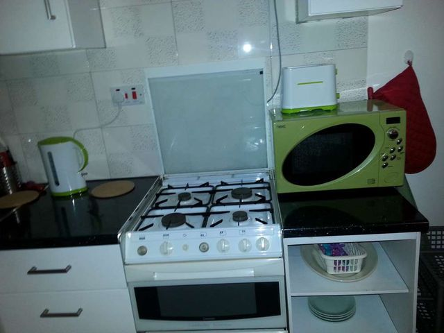 villa 5 kitchen