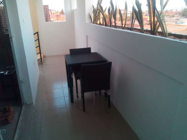 villa 6 hallway