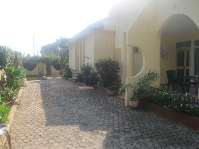 villa 3 front