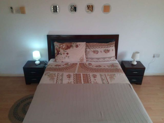 villa 3 bedroom bed