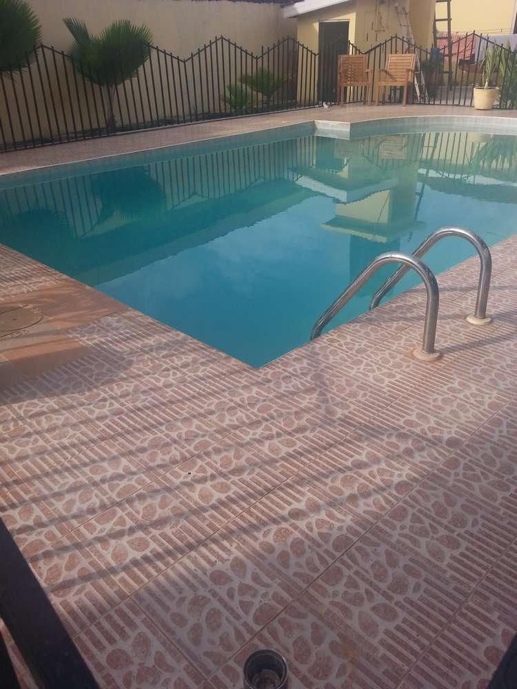 villa 2 pool