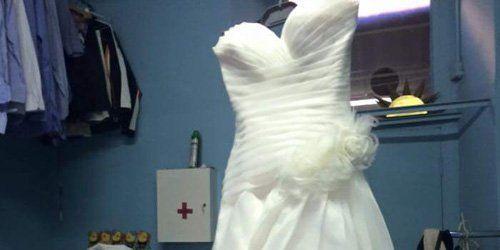 Vestito da sposa dopo il lavaggio alla Lavanderia Giusy Di Foti Giuseppina a Milano