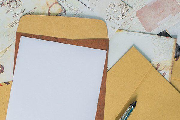 Buste, una penna e Mail Express è in grado di offrire la gestione postale completa della corrispondenza