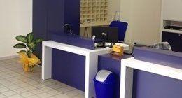 Vista del nostro ufficio in colori blu e bianco