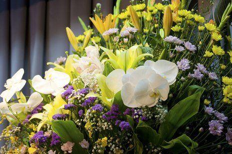 fiori su bara