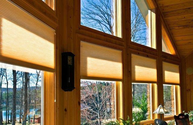 finestre in legno con vetri doppi