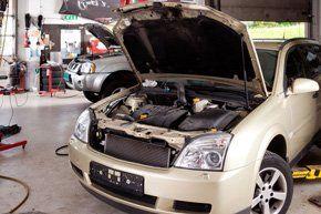 iCar repairs  - Guildford, Surrey  - Kingfisher Cars - Car engine
