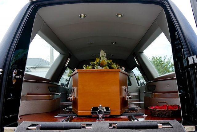 bara nel carro funebre