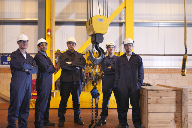 Pendant crane training rdf training dundee rely on our trainers to master overhead cranes we help you with mobile crane training aloadofball Image collections