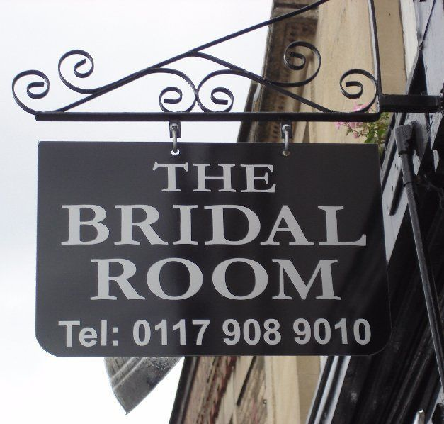 The bridal room sign board
