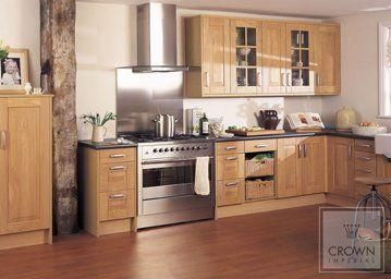Solid oak traditional style Garrick kitchen