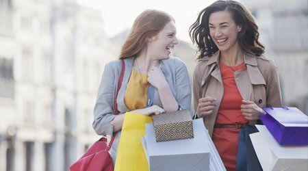 friends enjoying shopping
