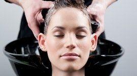 massaggio capelli, prodotti per lo styling, shampoo nutriente