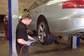 Car servicing - Abingdon, Oxfordshire - Bob Nichols Vehicle Services - Garage