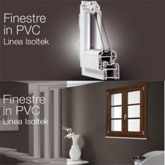 delle guide in PVC bianco e una finestrella in legno