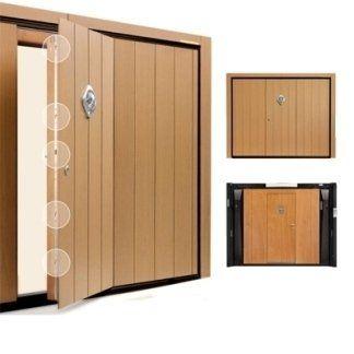 delle porte in legno d