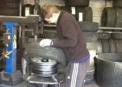 Complete tyre fitting