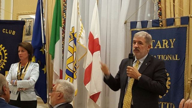 Con il sindaco Marco Bucci e il Rotary
