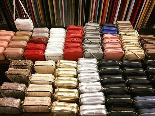 borse in pelle di vari colori