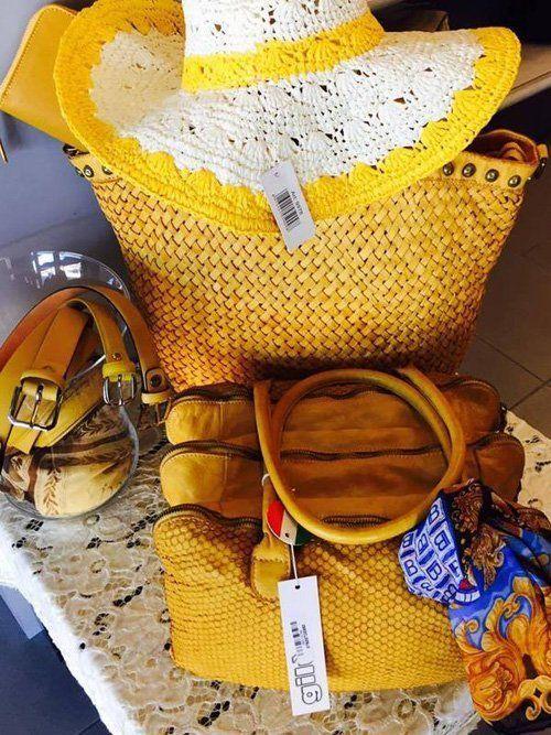borsa cappello e accessori da mare