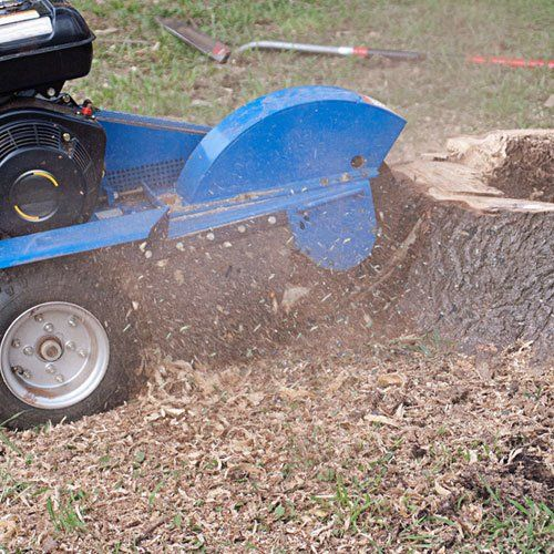 Towable and tractor-mounted chippers