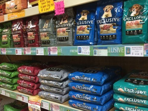 Exclusive pet food at Clifton, TX