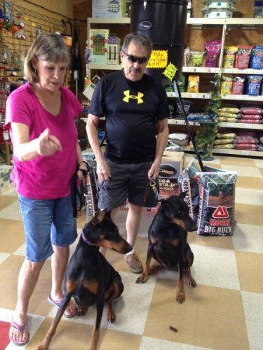 Customer with pets visits at Clifton, TX