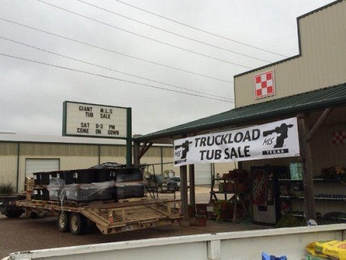 Truckload tub sale in Clifton, TX