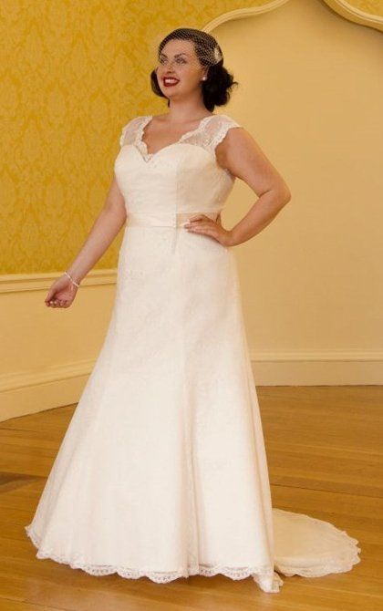 Wedding dresses for the fuller figure in derry northern for Wedding dresses for fuller figures