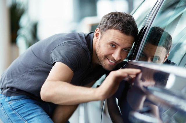 A client checking his car