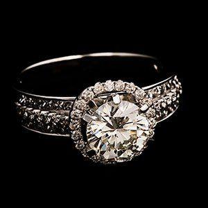 customised ring