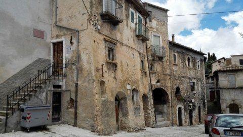 vista del borgo di Calascio