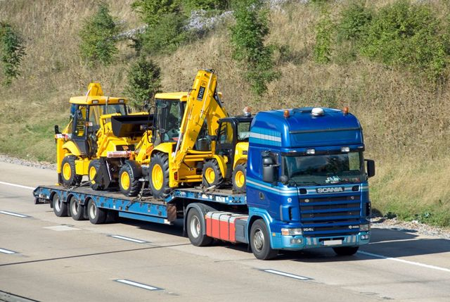 Logistics solutions - Reading, Berkshire - Keeley Transport - Heavy haulage